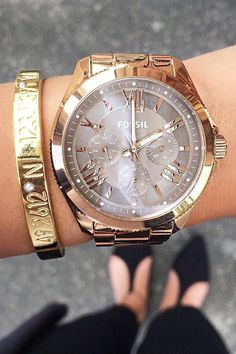 The watch that makes any outfit look glamorous. fossil - Accessories of Women Fossil Watches, Cool Watches, Watches For Men, Cheap Watches, Affordable Watches, Women's Watches, Jewelry Accessories, Fashion Accessories, Fashion Jewelry
