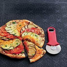 Pizza tian , recette, recipe, food Quiches, Calzone, Food Art, Salmon Burgers, Avocado Toast, Vegetable Pizza, Bon Appetit, Hui, Pizzas
