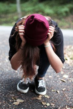 neeeed a burgundy beanie  I kind of have an obsession with beanies