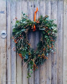 A wreath for the love of some online digital distraction and discovery are this weeks deeds.... . . It has been a week of discovery here at the Wharf. The wood thats been unreachable behind the shed for over a decade? Well it turns out thats a lock gate. A beautiful old blue and white painted gate which leads me to the second discovery....... . . . ......the rubble...... quite marvellous drainage I thought when planting the bulbs this year. Well that turns out to be the remains of a dock! No… Elegant Christmas, Modern Christmas, Green Christmas, Simple Christmas, Christmas Home, Christmas Wreaths, Xmas, Holiday Fun, Holiday Decor