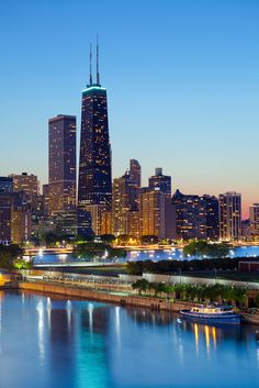 Explore Chicago e desfrute uma jornada cheia de diversão e restaurantes de primeira linha. #VisiteOsUSA #Chicago