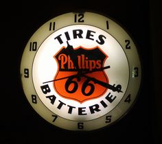 Phillips 66 Antique Clock (Old 1940 Vintage Double Bubble Globe Lighted Gas Station Oil Pump Advertising Sign, Tires, Batteries)