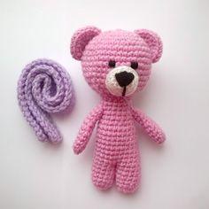 @fertig_knit в Instagram: «И у этого чудесного мишуты шарфик снимается😉  #crochetbear #knitting #мишкакрючком #crochettoy…»