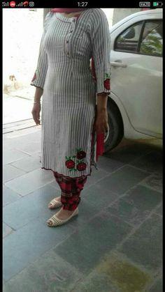 Salwar Neck Designs, Neck Designs For Suits, Kurta Neck Design, Designs For Dresses, Simple Indian Suits, Ladies Suits Indian, Designer Party Wear Dresses, Kurti Designs Party Wear, Simple Kurta Designs