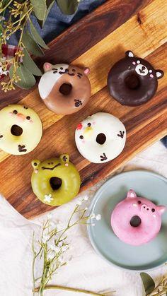 Creative and Yummy Donuts - Blush & Pine Creative Cute Snacks, Cute Desserts, Cute Food, Dessert Recipes, Delicious Donuts, Yummy Food, Keto Fingerfood, Dessert Kawaii, Cute Donuts