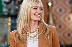 necklace from two broke girls   ... wears a a fun oversized pearl necklace that I'm kind of in love with. Anyone know where to buy this necklace?