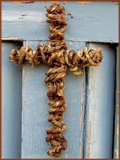 rope/twine/sisal cross
