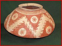 "Hohokam bowl from the Phoenix-Tucson area of Arizona. It has a very characteristic ""Gila shoulder"" ."