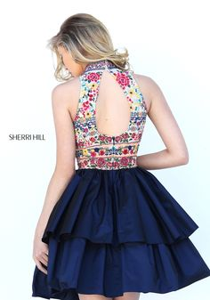 Sherri Hill dresses are designer gowns for television and film stars. Find out why her prom dresses and couture dresses are the choice of young Hollywood. Dama Dresses, Dressy Dresses, Simple Dresses, Nice Dresses, Short Dresses, Tb Dress, Prom Dress Couture, Western Dresses For Women, Homecoming Dresses