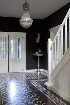 A beautiful hall - entrance Hall Tiles, Tiled Hallway, Entry Hallway, Hallway Decorating, Entryway Decor, Interior Decorating, Interior Design, Flur Design, Rustic Home Design