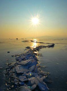 Frozen lake (Balaton) - Hungary | by G.Tamás