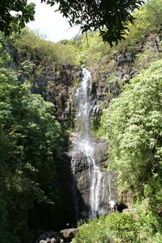 Da plane, da plane. Waterfall from Fantasy Island, on Kaui. Looked bigger on the show.