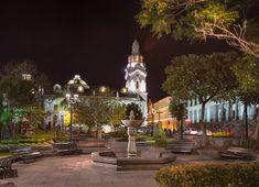 Plaza de la Independencia hacia cúpula de El Sagrario.