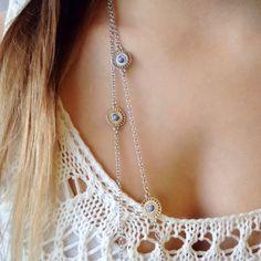 Ibero Santorini necklace in silver and blue. Ibero Santorini-malliston kaulakoru, jossa sinistä ja hopeaa.