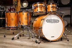 Metal Drum, Wood And Metal, Set Honey, Snare Drum, Drum Kits, Percussion, Drums, Ale, Musicals