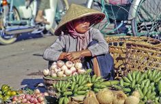 Hinh My tho xua My Tho, Asian Market, Old Images, People Of The World, Street Photo, Culture, Photography, Women, Travel