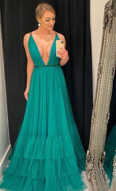 15 Dresses, Formal Dresses, Wedding Dresses, Dressing Over 50, Spring Wedding Invitations, Skirt Outfits, Green Dress, Dress Patterns, Ball Gowns