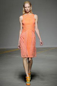 Christopher Kane Spring 2011 Ready-to-Wear Fashion Show - Melissa Tammerijn
