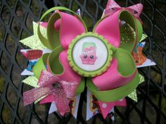This boutique style bow  *high quality grosgrain ribbon *approximately 4 inches across *partially lined alligator clip, french barrette, (if not specified an alligator clip will be used). *All ribbon