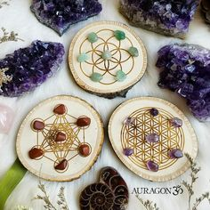 Mini sacred grids ◇ Perfect for small gems! I have sets of mini gemstones separate to accompany these ✌ Find these here www.aurvgon.com Healing Stones, Crystal Healing, Wood Carving For Beginners, Altar, Wood Burning Crafts, Wicca Witchcraft, Embroidery Materials, Candle Packaging, Thread Art