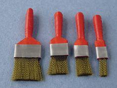 Make 1:12 scale decorator's brushes - Dolls House Magazine - Crafts Institute