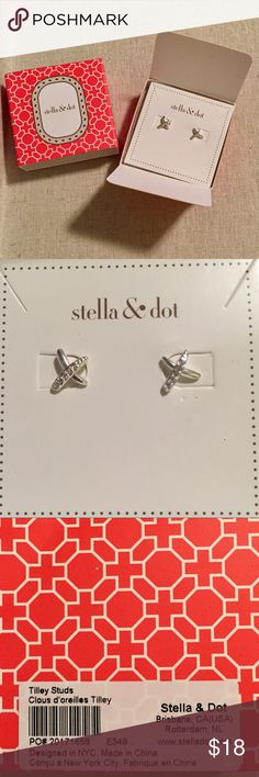 Stella & Dot Silver Stud earrings with rhinestones Stella & Dot Silver Stud earrings with rhinestones- Tilley Studs- Brand New! Stella & Dot Jewelry Earrings