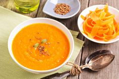 A warming soup with the cheering color of carrots and the zesty flavor of citrus and ginger, this soup is great for everyday or holiday meals. Carrot And Orange Soup, Carrot Ginger Soup, Ginger Ale, Orange Juice, Sopa Detox, Detox Soup, Detox Diet Recipes, Soup Recipes, Healthy Recipes