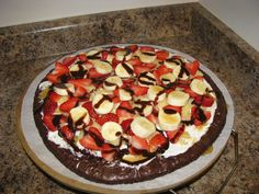 Pampered Chef Brownie Pizza...it tastes waaaay better than it looks