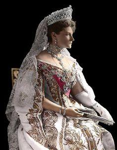 1905, HIM Tsarina Alexandra Feodorovna in full court dress.