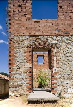 Loft em Porquera de los Infantes, Palencia, Espanha. Projeto de Jesus Castillo Oli. Via CoolBoom.