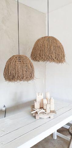Mooie bohemian lampen en stenen poppetjes uit Bali