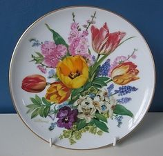 "LOVELY HUTSCHENREUTHER LIMITED EDITION PLATE ""EASTER BOUQUET"" By URSULA BAND 
