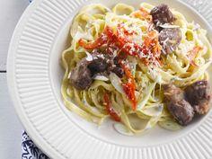 Pasta mit Gorgonzola und Hähnchenleber ist ein Rezept mit frischen Zutaten aus der Kategorie Hähnchen. Probieren Sie dieses und weitere Rezepte von EAT SMARTER!
