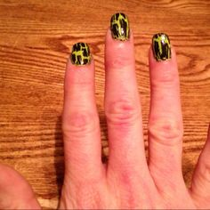 Avon nail polish with crackle top coat-I have the top coat, but going to try it with a pink under color.
