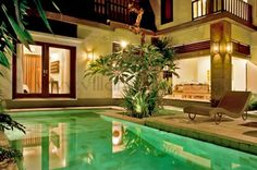 Villa Maple is positioned in a peaceful part of fabulous Seminyak; just 5 minutes away from the fashionable heart of Bali.  The tranquility of the small but stylish 3 bedroomed villa will be evident upon entering the traditional Balinese compound walls.