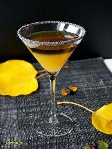 Freddy Krueger to drink w sam raz na Halloween, w pięknych kolorach. Freddy Krueger, Alcoholic Drinks, Cocktails, Halloween Party, Smoothie, Tableware, Wes Craven, Food, Gastronomia