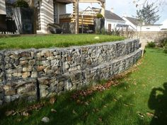 Terasare teren cu gabioane Sleeper Wall, Sidewalk, Garden Ideas, Plants, Gardening, Design, Houses, Walkways