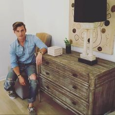 doesn't mean boring. Curate your pieces to make them feel like you've been collecting for years. Nate And Jeremiah, Nate Berkus, B & B, Interior Design, Instagram Posts, Entryway, Icons, Clouds, Inspiration