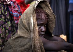 Kenya'da Pokotların, kabilelerindeki kadınlara uyguladıkları bu ortaçağ vahşeti Reuters foto muhabiri Siegfried Modola'nın objektiflerine böyle yansıdı.