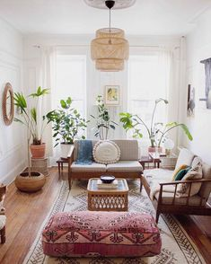 Kitchen Living Rooms 51 Boho chic living room ideas - Mid-century modern bohemian vintage living room - I love how the classic distressed leather sofa fits right in with this bohemian decorated living room Scandinavian Design Living Room, Room Decor, Decor, House Interior, Boho Chic Living Room, Living Room Scandinavian, Boho Living Room, Living Room Designs, Vintage Living Room