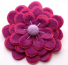 DIY pretty felt flower