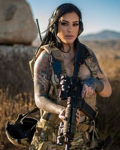 - Hot Military Babes - Sexy Girls & Guns - Girls With Weapons - Soldaten Tumbrl Girls, Female Soldier, Military Girl, Warrior Girl, Military Women, Military Personnel, Country Girls, Apocalypse, Cool Girl