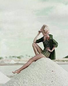 High Fashion Poses, Fashion Model Poses, Fashion Models, Beach Fashion Photography, Photography Poses, Beach Editorial, Define Fashion, Green Swimsuit, Glamour Magazine