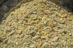 In case you're curious, Salatin's layer ration consists of: 49.7% corn 30.8% roasted soybeans 10.9% oats 5.0% feed grade limestone 3.0% Fer...