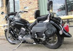 Used 2006 Yamaha V-STAR XVS650 Motorcycles For Sale in Texas,TX. This is a great, clean, average mileage used cruiser. This Yamaha 650 V Star Classic is a long time running production machine that is time tested & proven. This bike has been road tested and passed every inspection. This used street bike has good quality tires, good brakes and is ready to hit the road. Extras on this clean used street motorcycle include rider & passenger backrests, Yamaha Star windshield, & Yamaha Star leather…