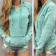 Design long-sleeved hooded sweater