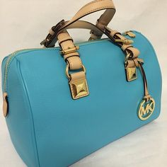 Michael Kors Handbags Whether vintage or timeless leather, find the perfect #Michael #Kors #Handbags for toting your treasures