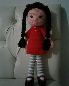 Kırmızı elbiseli amigurumi. Fiyat;65TL
