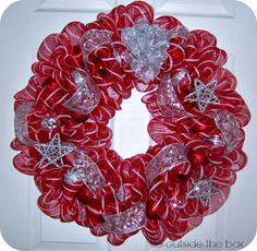 Beautiful, homemade deco mesh wreaths for a fraction of the price! You can easily design your own deco mesh wreath for any occasion! Deco Mesh Crafts, Wreath Crafts, Diy Wreath, White Wreath, Wreath Making, Wreath Ideas, Ornament Wreath, Burlap Wreath, Christmas Mesh Wreaths