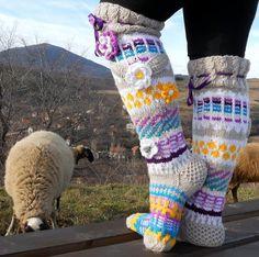 Item Type: Handmade knitted socks MODEL: WENDY Type: above the knee Gender: Women, Girl Decoration: flowers Pattern: jacquard Style: Etno Main Material: wool & akril Sizes: US Care: Hand Wash, max / Dry Flat models desighner - Anelma Kervinen Crochet Socks, Diy Crochet, Knitting Socks, Hand Knitting, Crochet Ideas, Thigh High Socks, Knee Socks, Thigh Highs, Rainbow Socks